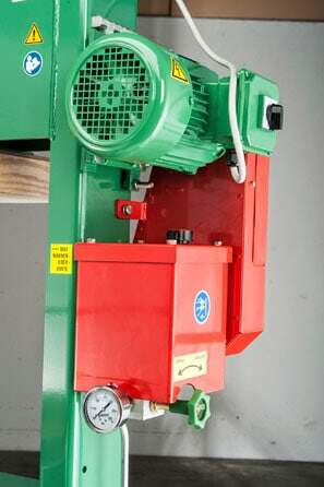 Packing press 100 P1 with shift press cage